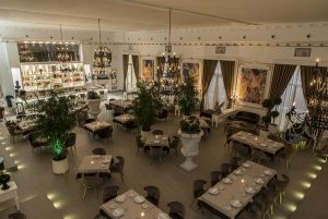 Kitch Social Marbella Puerto Banus Restaurant Restaurante Club Luxury Private (17)