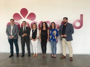 José M. Muñoz, Antonio Sutil, Toñi Aguilar, Rocío Ruiz, Maribel Lozano y Andrés Rodríguez, en el Edificio 'Big Bang' de la cooperativa Macrosad